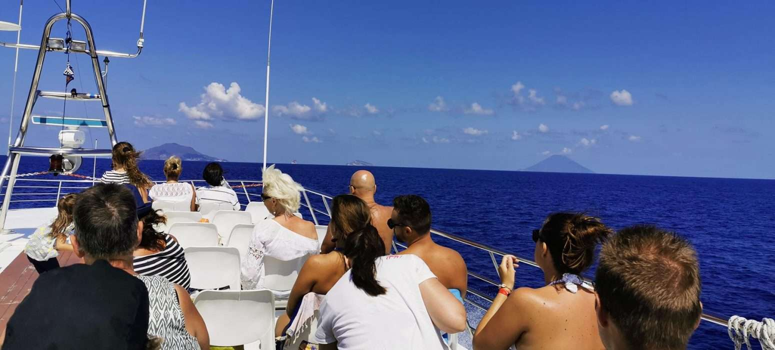 eolie tour by boat