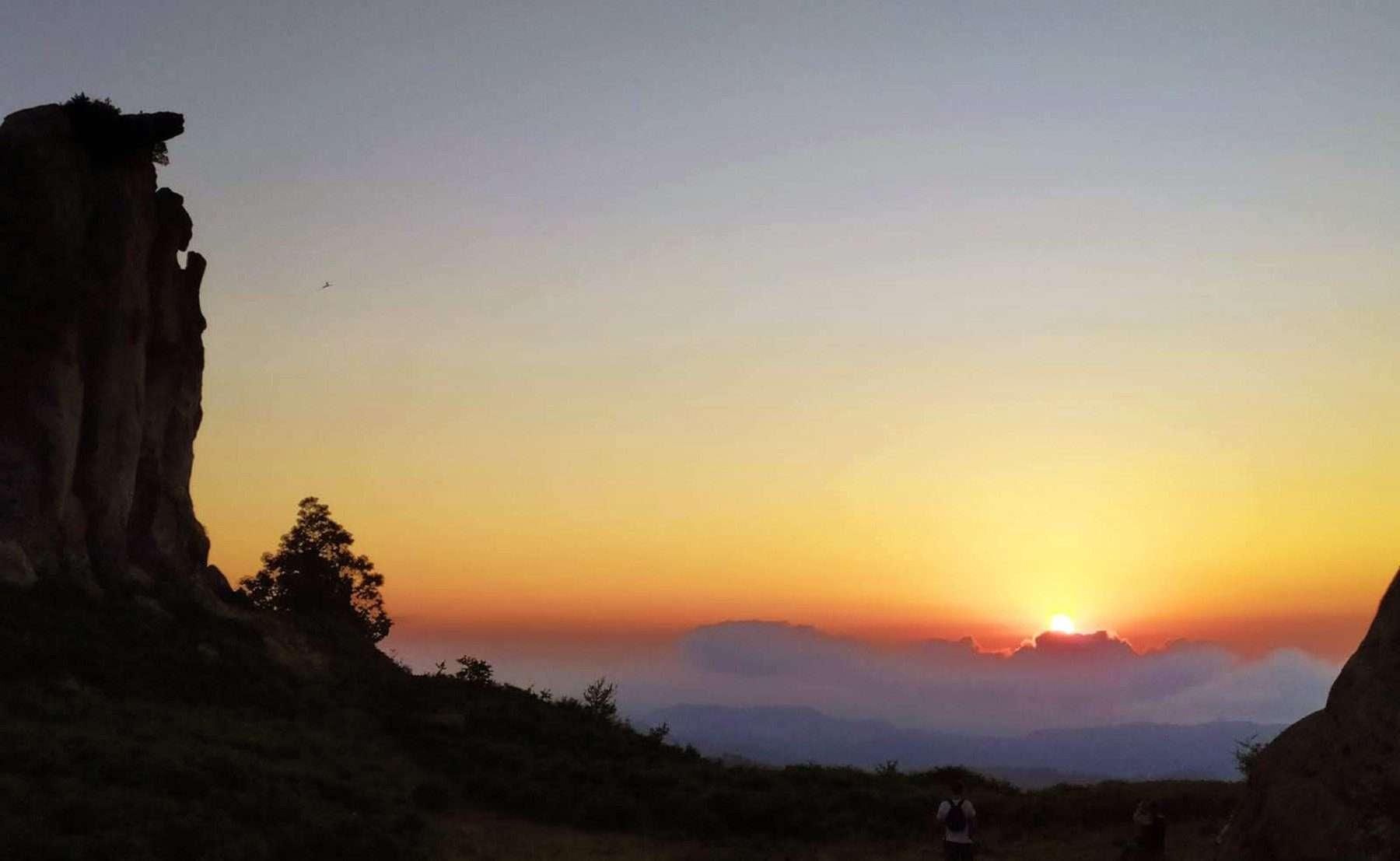 Sicily landscape sunset argimusco plateau