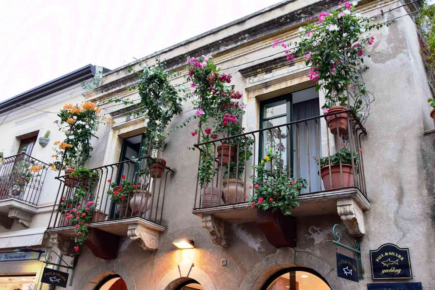places to see near Taormina, balconies