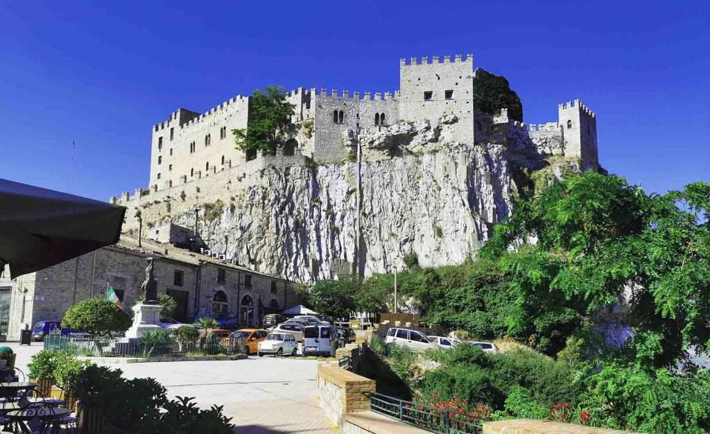 caccamo castle,