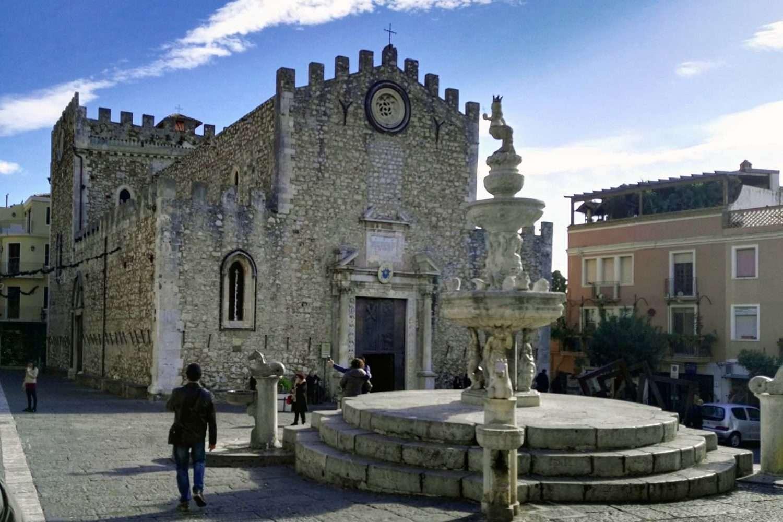 taormina cathedral square